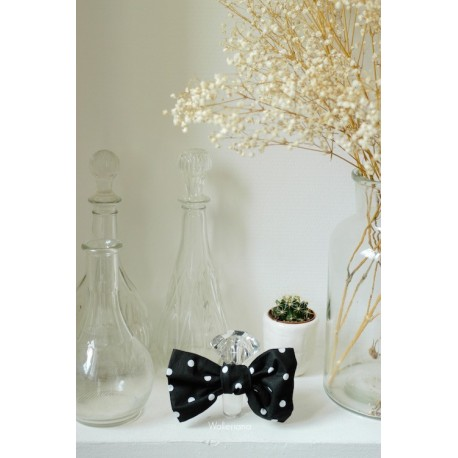Noeud papillon noir gros pois blancs, Innocent