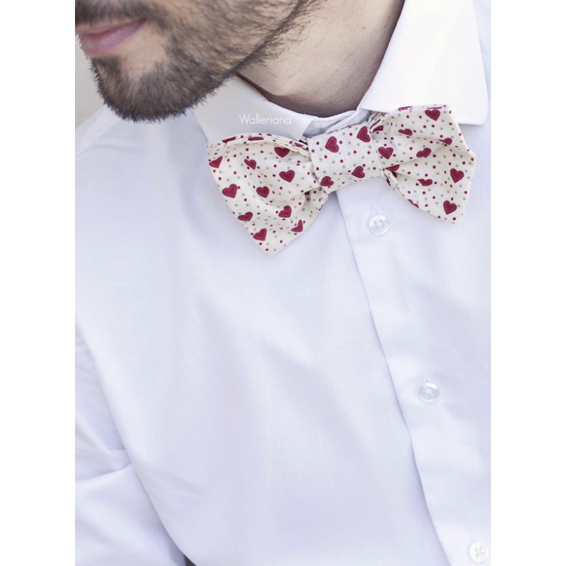 Bow tie with red hearts and dots Leony