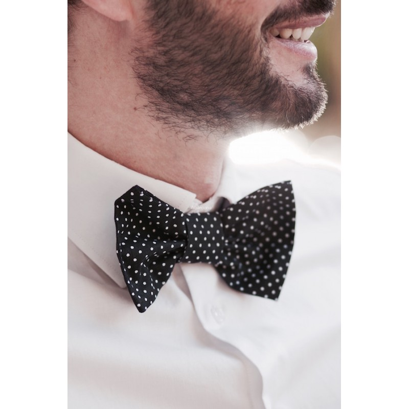 Black bow tie with white dots Roméo