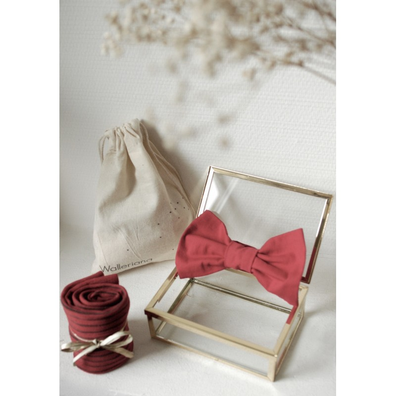 Kit San Francisco, stylish red support socks + matching bow tie