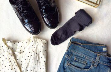 Look d'automne et chaussettes grises à compression douce