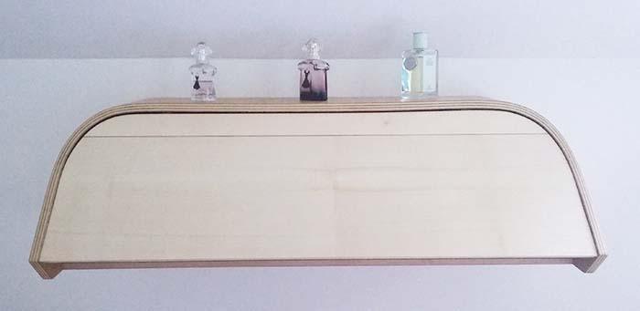 Coiffeuse, réalisée par Elodie, ébéniste au féminin