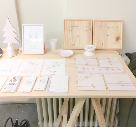 Table à tréteaux et accessoires réalisés par Elodie, ébéniste au féminin