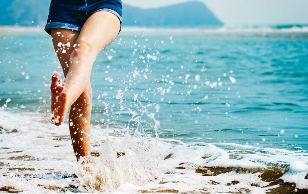 chaleur et jambes gonflées