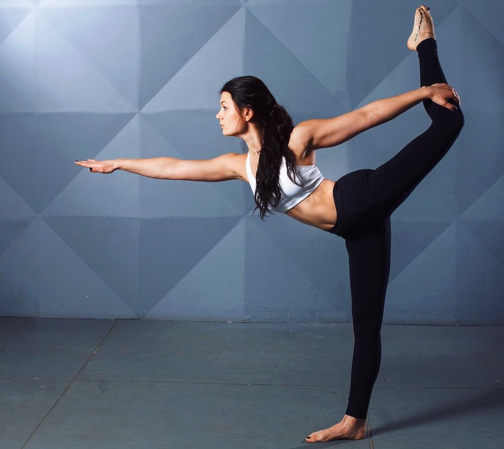Position de yoga pour renforcer les chevilles fragiles