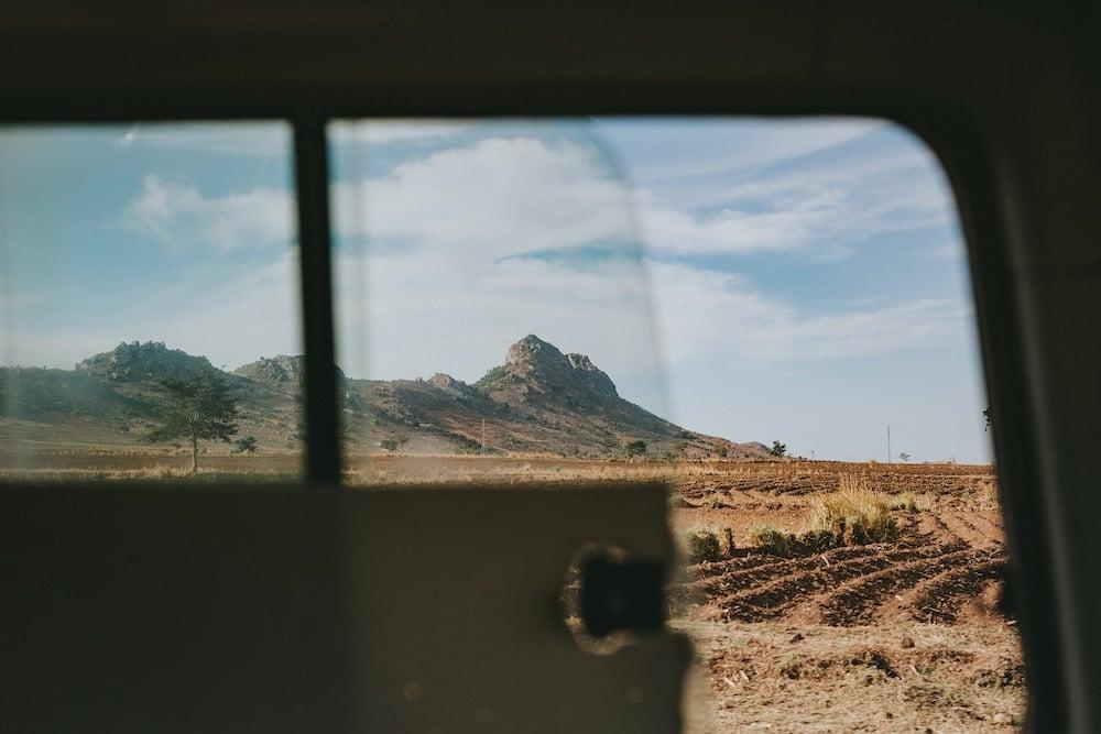 Prévoir des encas et suffisamment d'eau durant le trajet en voiture
